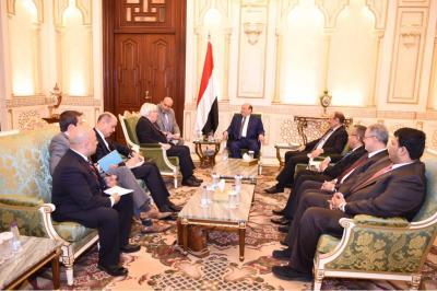 الرئيس هادي يستقبل المبعوث الأممي الجديد لليمن بحضور نائب الرئيس ورئيس الوزراء ( صوره)