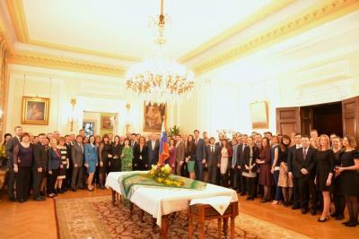 مغادرة 23 دبلوماسيا روسيا بريطانيا ( صوره)