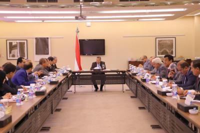 رئيس الوزراء يتراس اجتماعاً للمجلس في الرياض ويناقش عدد من المواضيع المدرجة في جدول أعماله