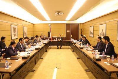 مجلس الوزراء برئاسة بن دغر يعقد إجتماع ويتخذ عدداً من القرارات