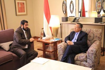 بن دغر يلتقي محافظ صعدة ويشيد بمستوى التقدم العسكري في جبهات المحافظة