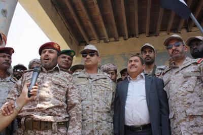 بالصور .. قوات الجيش الوطني تحتفل بتحرير مدينة ميدي بالكامل