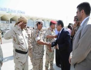 بن دغر وعدداً من أعضاء الحكومة يعودون الى العاصمة المؤقتة عدن