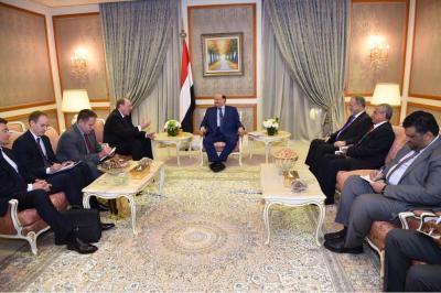 الرئيس هادي يلتقي المبعوث الخاص للرئيس الروسي إلى الشرق الأوسط