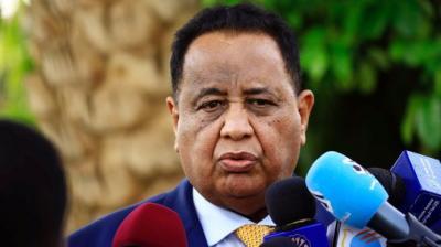 من هو إبراهيم غندور طبيب الأسنان الذي أعفي من رئاسة الخارجية السودانية؟