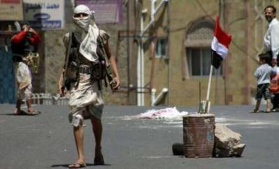 محمد علي الحوثي يسخر من إقتتال فصائل المقاومة في تعز ويدعوا إلى إخراج المواطنين من أماكن الإشتباكات!