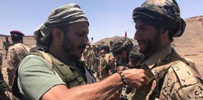 أنباء عن ترحيل المئات من جنود طارق محمد عبدالله صالح من جبهة الساحل الغربي بعد بيعهم لأسلحتهم
