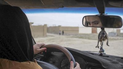 السعودية تعلن السماح للنساء بالعمل سائقات أجرة