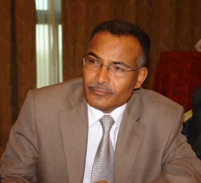 """قيادي مؤتمري مقرب من الرئيس السابق """"صالح """" يصف الحرب على الارهاب بالعبثية واستراتيجية أمريكية تهدف إلى إضعاف الجيش وتفريغ طاقاته"""