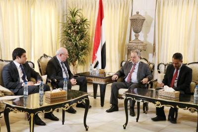 المخلافي يبحث مع السفير المصري تسهيل الرحلات العلاجية للمرضى اليمنيين