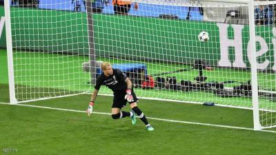 ريال مدريد يتوج بطلاً لدوري أبطال أوروبا .. وإصابة صلاح وأخطاء حارس المرمى سبب هزيمة ليفربول