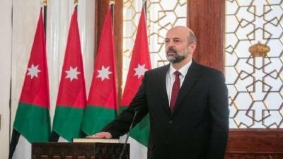 بعد 5 أيام من الإحتجاجات الشعبية في الأردن .. إقالة رئيس الوزراء هاني الملقي