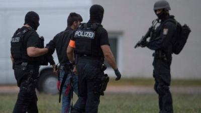 """ترحيل عراقي إلى ألمانيا بعد """"اعترافه باغتصاب وقتل فتاة ألمانية"""""""