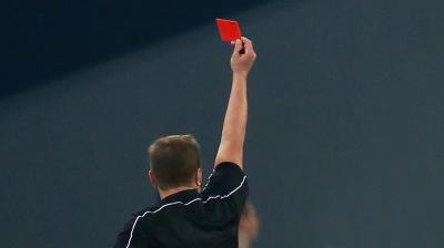 """تعرّف على المنتخب """" الأخشن """" في تاريخ كأس العالم والذي حصل على 11 بطاقه حمراء"""