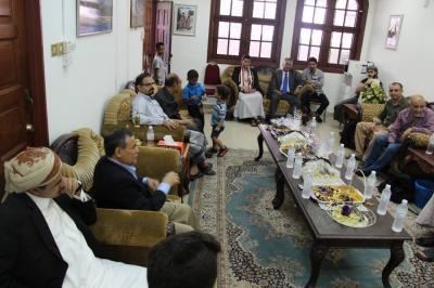 سفير اليمن لدى ماليزيا يستقبل المهنئين بعيد الفطر المبارك بمقر السفارة اليمنية ( صور)