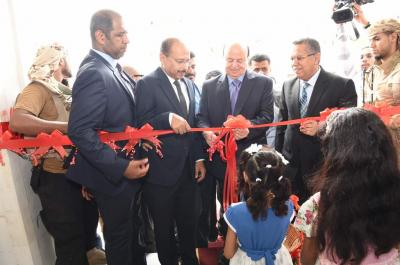 بالصور .. الرئيس هادي يدشن حزمة من المشاريع الخدمية في مجال الاتصالات والانترنت