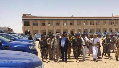 شرطة الجوف تتسلم 30 طقماً امنياً بدعم من السعودية