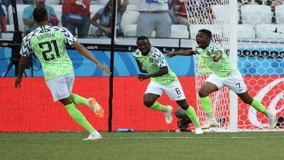 نيجيريا تحقق فوزاً ثميناً على آيسلندا