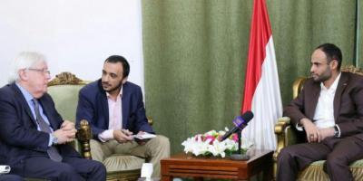 رويترز : الحوثيون يبدون استعدادهم  لتسليم ميناء الحديدة