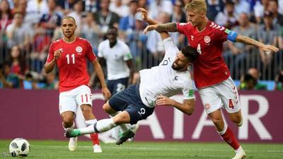 الدنمارك ترافق فرنسا إلى دور الـ16 في مباراة وصفت بالأسوأ