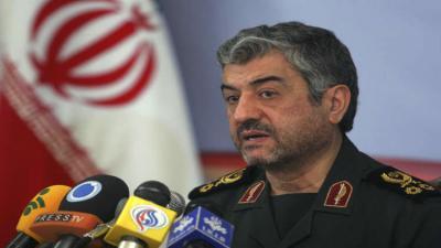 الحرس الثوري الإيراني يهدد : إما أن يستخدم الجميع مضيق هرمز أو لا أحد