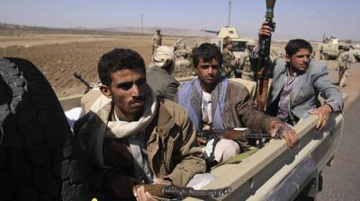 إشتباكات عنيفة بين الحوثيين والجيش بعمران - والحوثيون يستهدفون بقذائف الهاون منزل الشيخ الأحمر ومقر الإصلاح بالجنات