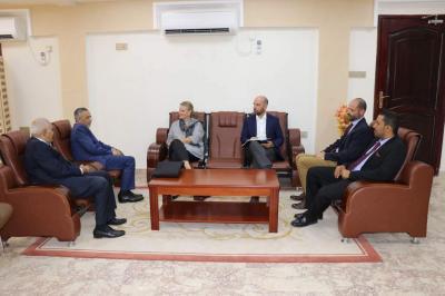 محافظ البنك المركزي اليمني : جميع إيرادات الدولة تورد للبنك المركزي ومنها عائدات النفط الخام