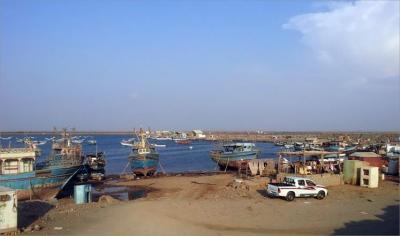 قوات الجيش تضبط 3 قوارب صيد تابعة للحوثيين في حجة