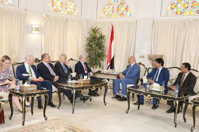 """وزير الخارجية """" اليماني """" يناقش مع وزير الدولة البريطاني جهود المبعوث الأممي ومستجدات الأوضاع في اليمن"""