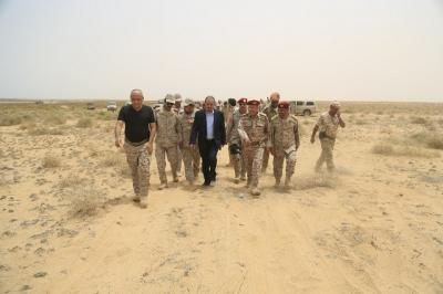قائد المنطقة العسكرية الخامسة : الميليشيا تنهار والجيش سيصل قريبا مديرية عبس في حجة