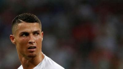 رئيس الليغا يفجر مفاجأة بشأن رحيل رونالدو عن ريال مدريد