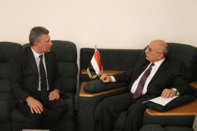 فتح يناقش مع نائب السفير الروسي إجراءات استقبال الطائرة الاغاثية الروسية