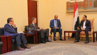 بعد لقاءات مع سفيرها بصنعاء .. الحوثيون يطلبون من سفير دولة أوروبية إعادة فتح السفارة بصنعاء