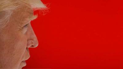 """ترامب يطالب النائب العام الأمريكي بإنهاء """"التحقيق الروسي"""" فورا"""