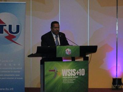 وزير الاتصالات يؤكد حرص اليمن على الإسهام في بلورة مشروع مجتمع المعلومات العالمي