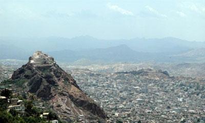 مقتل طالبين وإصابة ثالث في تعز
