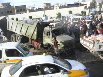وفاة 5 أشخاص وإصابة 4 آخرين في حادث مروري بتعز (الأسماء)