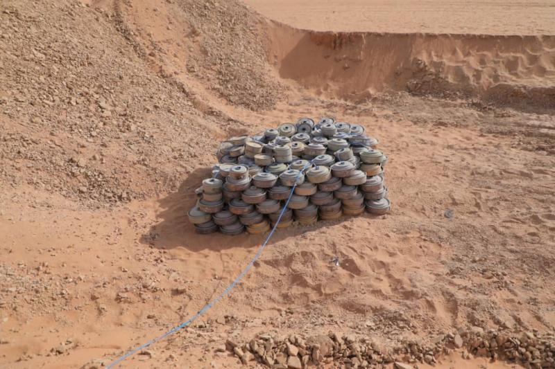 الجيش الوطني ينتزع ويتلف ٣ الف لغم وعبوة ناسفة زرعها الحوثيون في باقم بصعدة