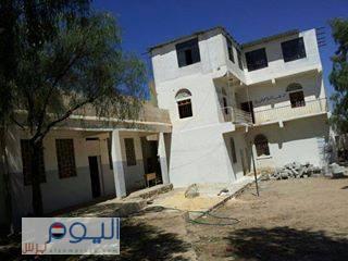 (بالصور ) دار حراء للقرآن الكريم بمنطقة الورك بعمران قبل وبعد تفجيره فجر اليوم من قبل الحوثيين