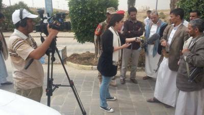 محافظ عمران يرفض دخول المحافظة والحوثيون يرفضون الخروج والقائد الميداني للحوثيين يلتقي بصحفيين في المجمع الحكومي