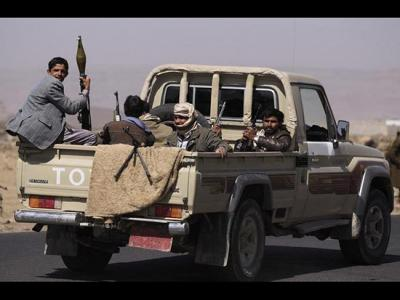 """الحوثيون ينسحبون من بعض المناطق التي سيطروا عليها بهمدان منطقة """" ضروان """"  بعد تطمينات اللواء الحاوري بعدم التواجد العسكري فيها"""
