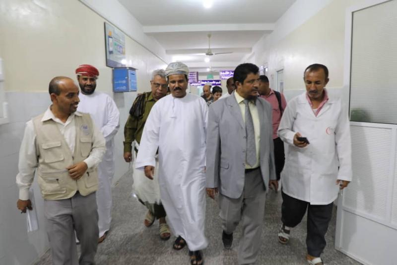 وفد عماني يصل المهرة لبحث احتياجات المحافظة في المجال الصحي