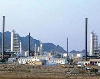 مدير عام مصافي عدن يكشف عن ضــخ كميـــات كبـيرة من المشتقات النفطية إلى السوق المحلي