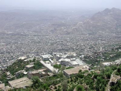 الحوثيون يفجرون الوضع في تعز واللجنة الأمنية بالمحافظة تعقد إجتماعاً وتتخذ مجموعة من الإجراءات