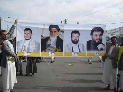 """"""" بالصور """" إنتقادات للحوثيين لرفعهم صور الخميني وحسن نصر الله في يوم القدس العالمي يوازيها إنتقادات لرفع صور الملك عبدالله في وقتاً سابق من قبل إصلاحيين"""
