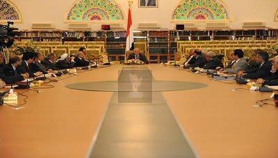 الرئيس هادي يوجه بتنفيذ أثني عشر نقطة لتخفيف ويلات جرعة المشتقات النفطية ( نصها)