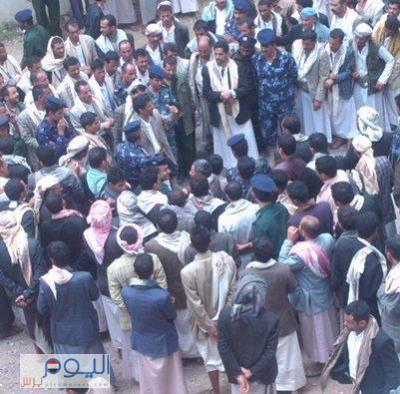 الحاكم العسكري لعمران القيادي الحوثي أبو علي الحاكم يُصدر تعليمات وتوجيهات للقيادات الامنيه بالمحافظة ( صورة)
