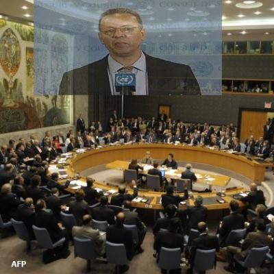 المبعوث الأممي جمال بنعمر يغادر صنعاء لتقديم تقريره إلى مجلس الأمن الدولي الجمعة القادمة