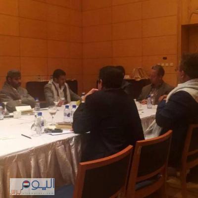 ناطق الحوثيين ينتقد بيان الدول العشر ويقول إن ذلك البيان يعود بالمفاوضات إلى نقطة الصفر وبنعمر يقود المفاوضات لإنهاء الأزمة الراهنة ( صورة + تفاصيل المفاوضات )