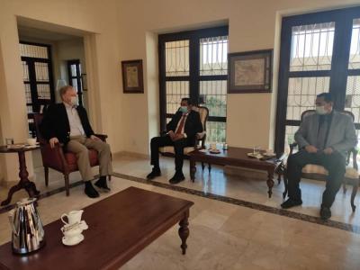 بالصور .. محافظ شبوة يقود حراكاً تنموياً ويلتقي سفيري أمريكا وفرنسا